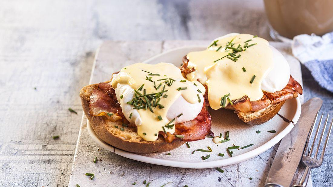 Eggs_benedict_gettyimages-1125583659_main