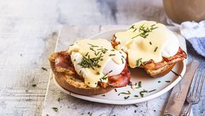 Thumb eggs benedict gettyimages 1125583659 main