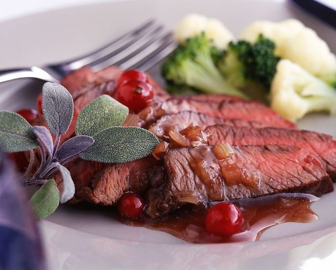 Featured_venison_steaks_with_redcurrant_sauce_pic