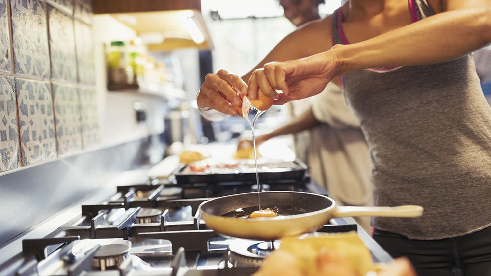 Cooking_gettyimages-922710428