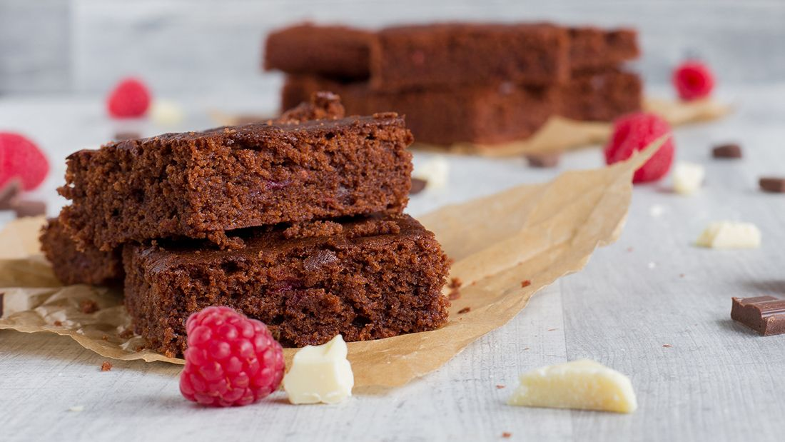 Raspberry brownie gettyimages 735965511 main