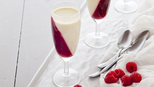 Thumb_pannacotta_and_red_wine_jelly