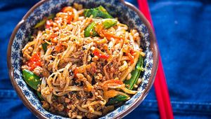 Thumb chilli pork noodles main