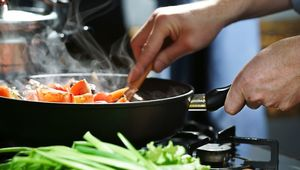 Thumb gettyimages 640305574 cooking main