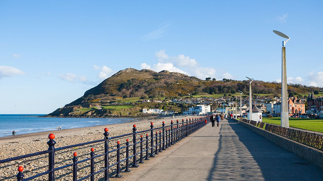 Bray_beach_gettyimages-908528082_main