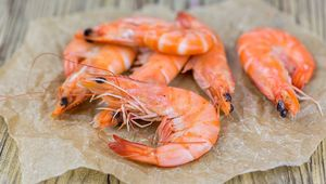 Thumb_raw_prawns_gettyimages-972722196_main_