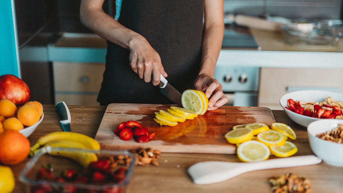 Cooking_lemons_gettyimages-1156716400_main