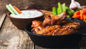Thumb_chicken_wings_styled_gettyimages-825220026_main