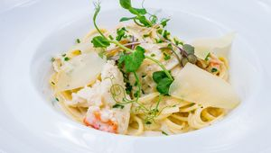Thumb_crab_linguine_main
