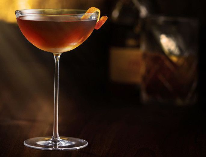Remy_martin_cocktail_corpse_reviver