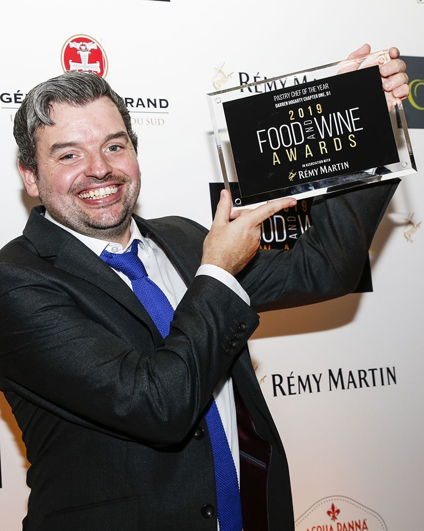 Chapter_one_darren_hogarty_with_award_120_food_and_wine_awards_main