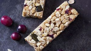 Thumb_granola_bars_gettyimages-916901148_insta