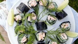 Thumb_nori_seaweed_rolls_fallon_and_byrne