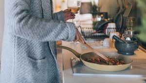 Thumb_cooking_gettyimages-878686330_insta