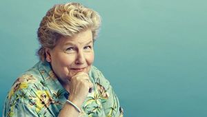 Thumb sandi toksvig from twitter photo by sophia spring flip