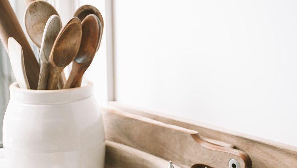 Featured_kitchen_utensils_ryan-christodoulou-68cddj03rks-unsplash_flip