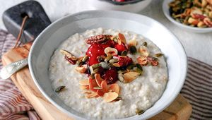 Thumb_hearty_irish_porridge_glenisk_edit