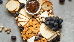 Thumb_cheese_board_lindsay-moe-n-qvf3vyf5m-unsplash