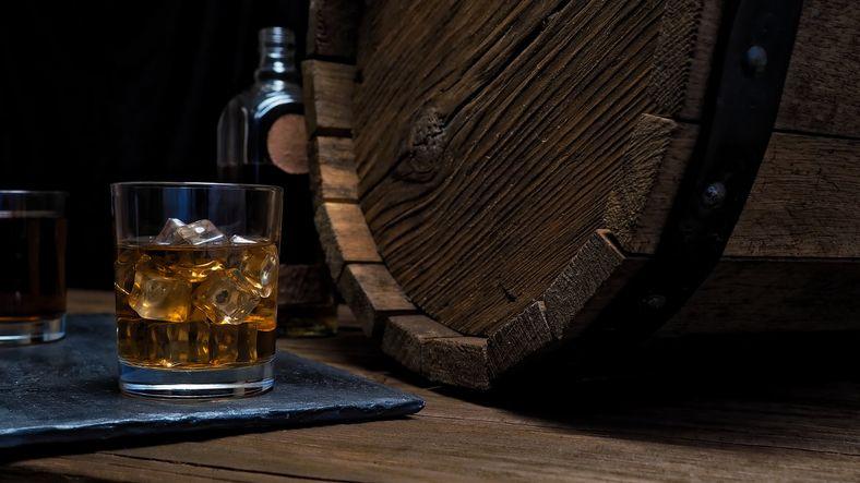 Getty_whiskey_flip