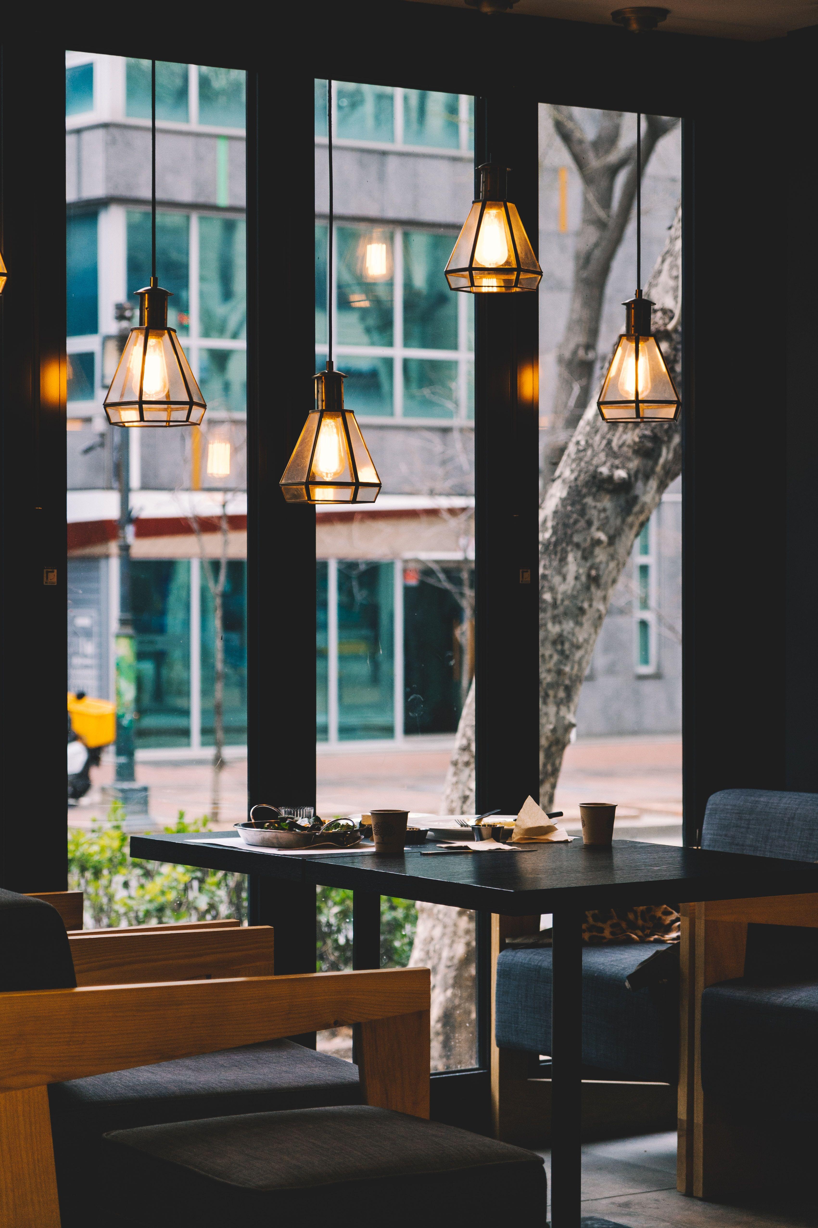 Restaurant_bundo-kim-pb9buzh1nd8-unsplash