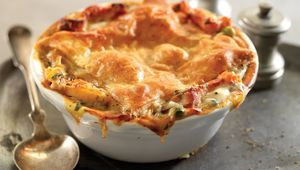 Thumb chicken and root vegetable pot pie hc 033017