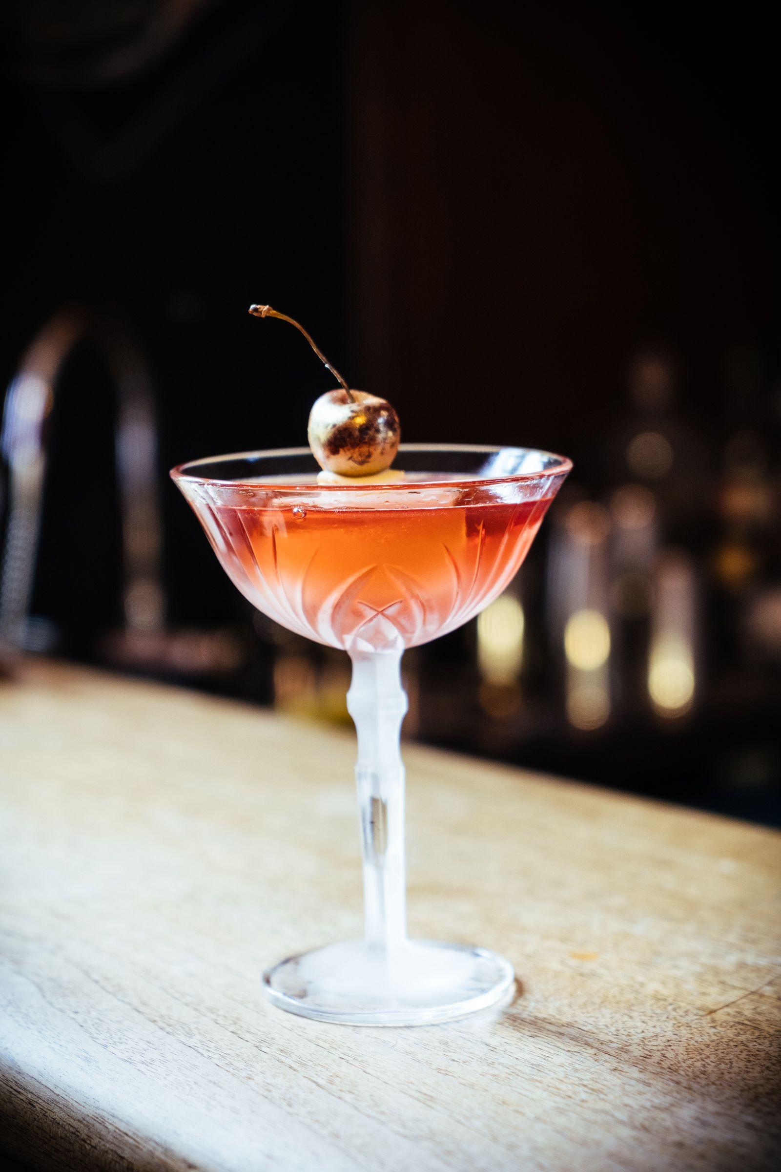 Grace_o_malley_signature_cocktail_-_bloody_cherry_by_benjamin_panek_pic_credit_dennis_dorwarth__1_