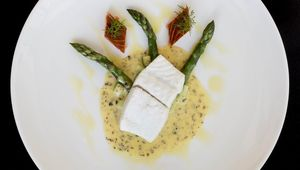 Thumb_fillet_of_brill__hederman_hot_smoked_salmon__asparagus__seaweed_ifwg