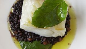 Thumb volpe nera cod with lentils edit