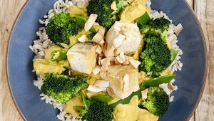 Thumb_oliver_mccabe_tofu_and_broccoli_bowl