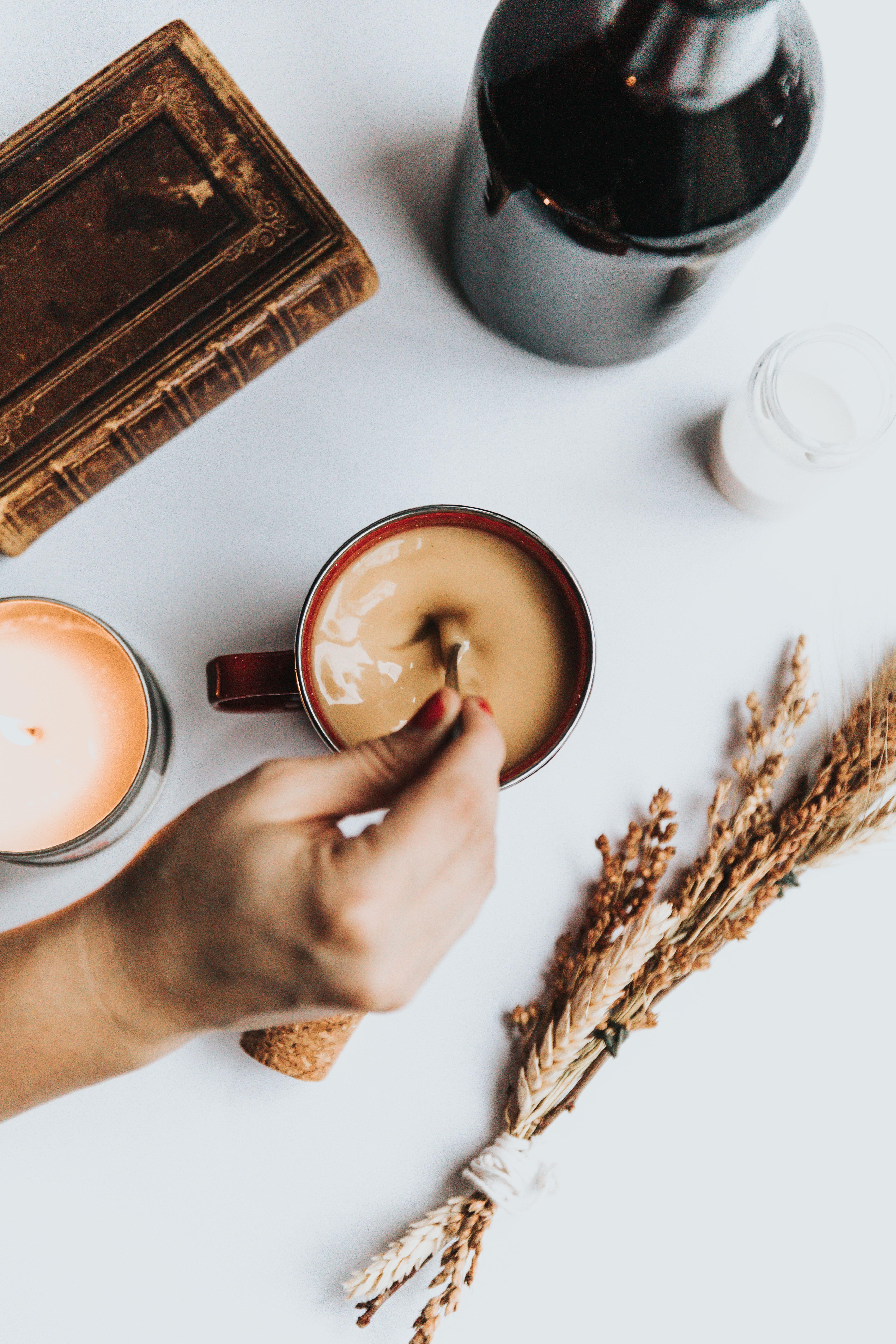Coffee_cup_nathan-dumlao-bd6ocnir_ia-unsplash