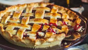 Thumb  rhubarb pie dilyara garifullina a2jyed vlxa unsplash edit