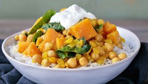 Thumb glenisk squash chickpea spinach curry main