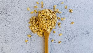 Thumb_oats_on_spoon_frederic-dupont-bzygn-j49fu-unsplash