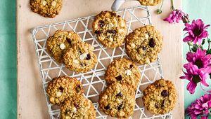 Thumb_flahavan_s_6._cranberry___white_chocolate_cookies_photo_crop