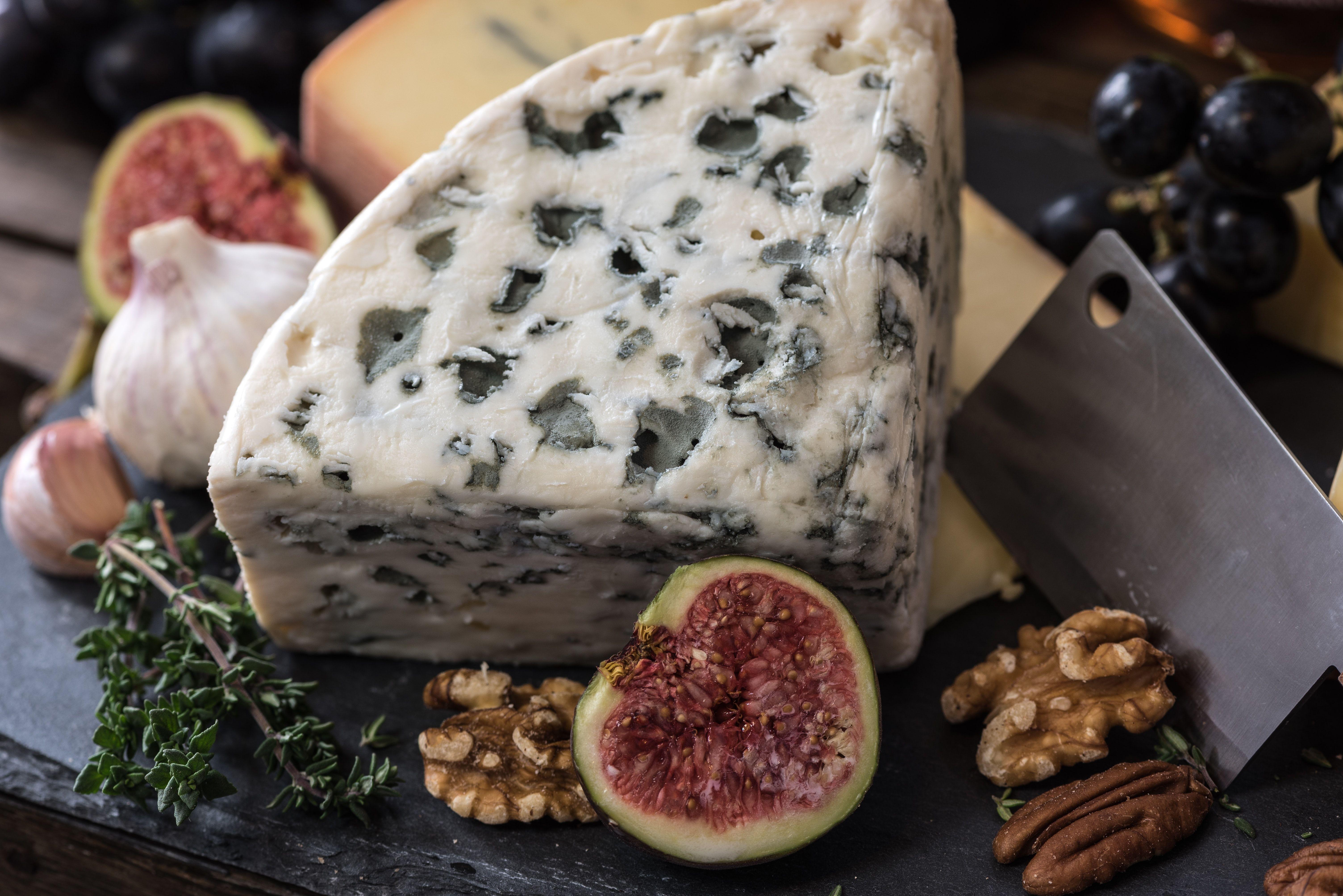 Blue_cheese_jez-timms-gmw2nz7jgre-unsplash