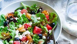 Thumb salad taylor kiser evoiiaivrzu unsplash