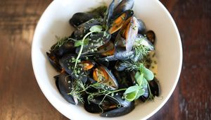 Thumb_guinness_extra_stout_mussels