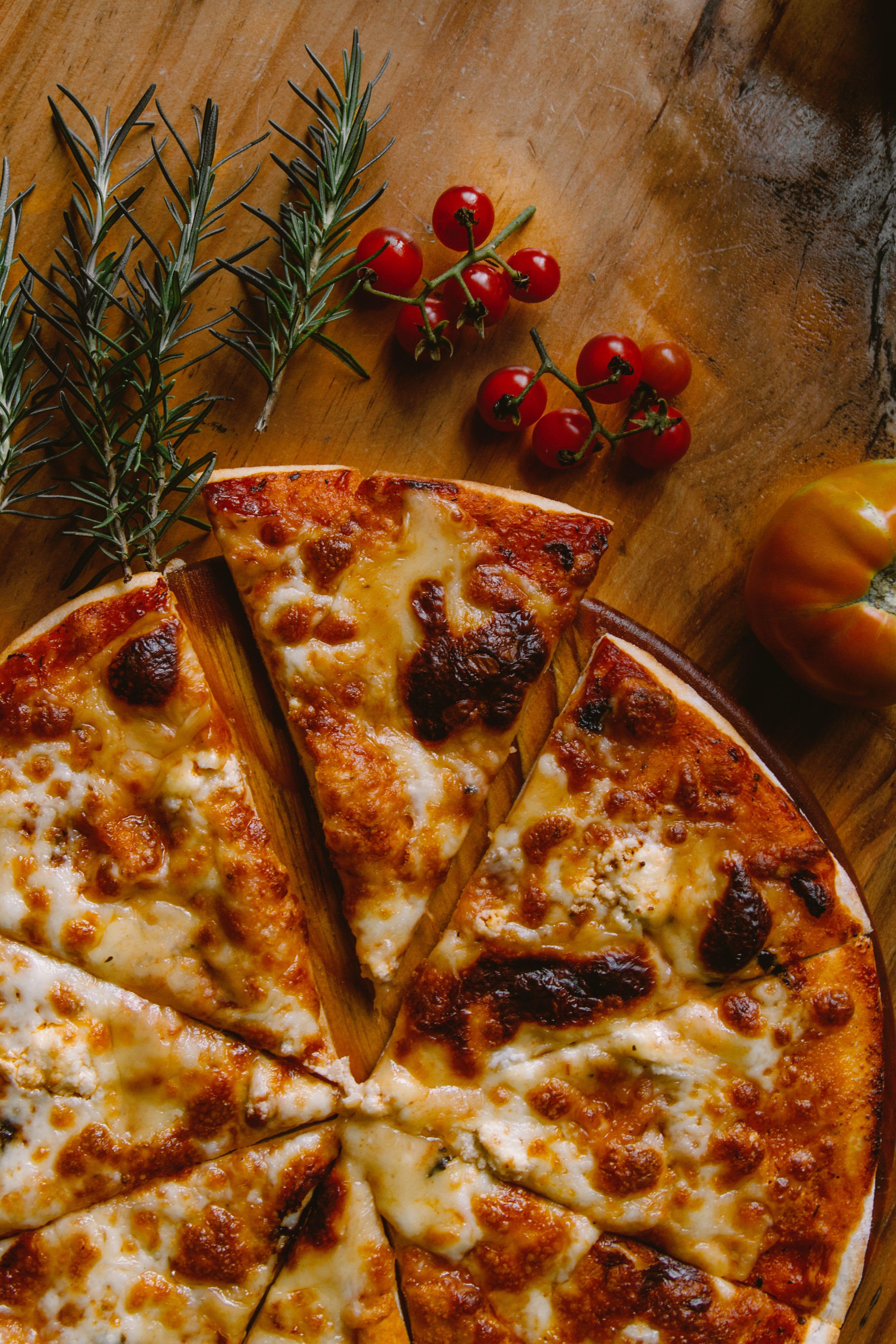 Pizza_ivan-torres-mquqbmszggm-unsplash