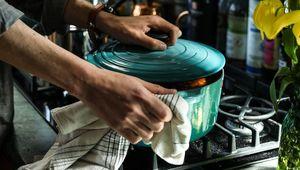 Thumb_pot_on_stove_cooking_edgar-castrejon-s6brlkxy7e0-unsplash