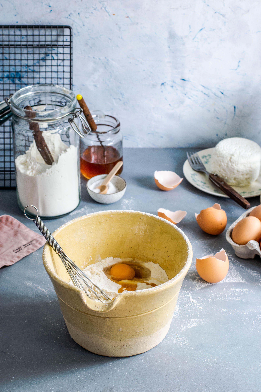 Baking_eggs_monika-grabkowska-neu4t59mtcy-unsplash