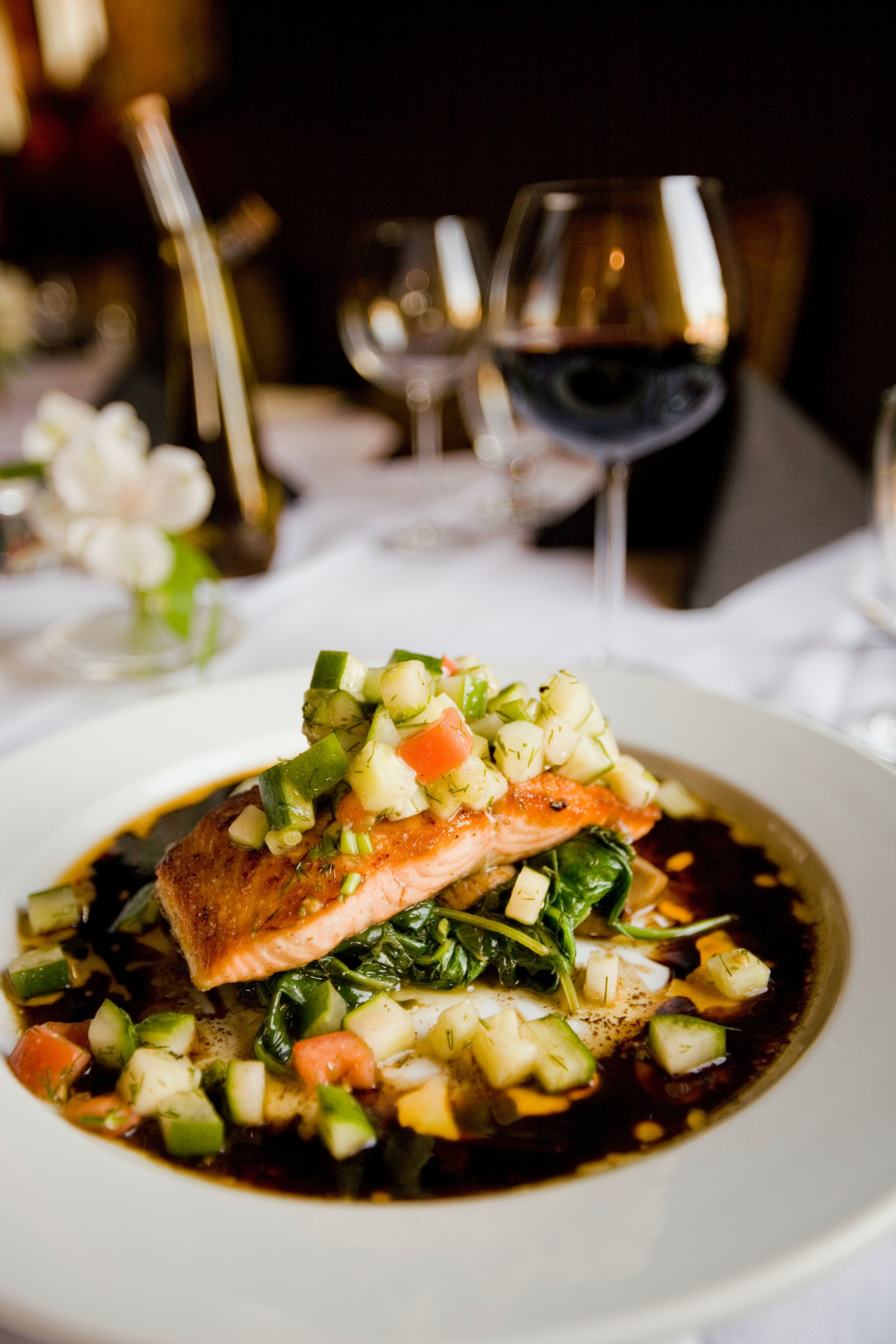 Restaurant salmon dinner casey lee awj7srvivxo unsplash