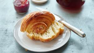 Thumb medialuna croissant food and wine14321