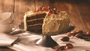 Thumb pecan and caramel cake