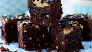 Thumb chocolate peanut butter brownies