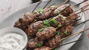 Thumb lamb kofta with yogurt sauce