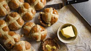 Thumb avoca hot cross buns