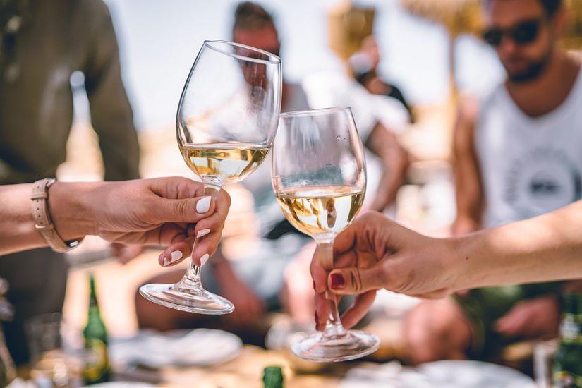 Featured white wine zan wruefkptlqs unsplash
