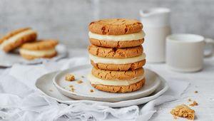 Thumb ginger snap cookies lgh mini 117a47c6 59b0 4c97 b11c c7eea68af244 0 1400x919
