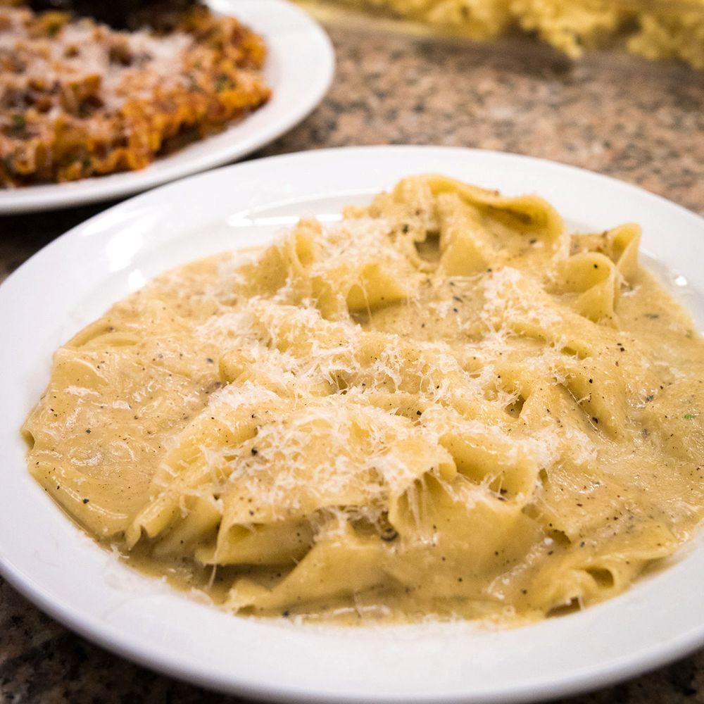 Cacio e pepe from Sprezzatura.