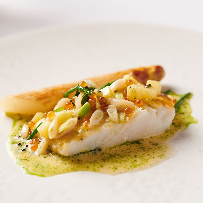 Mike's seaweed braised turbot, white asparagus, Dooncastle clams, caviar sauce.